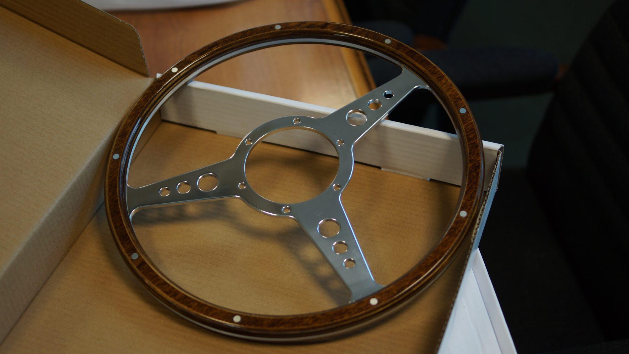 Mountney, Mountney Classic, steering wheel, wooden steering wheel, eather steering wheel, classic car, retro car, motoring, automotive, classic, retro, carandclassic, carandclassic.co.uk