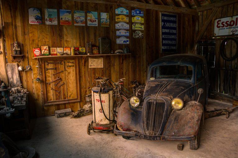 service, car repair, motoring, automotive, classic car, retro car, home car repair, vehicle maintenance, classic car, retro car, motoring, automotive, carandclassic, carandclassic.co.uk