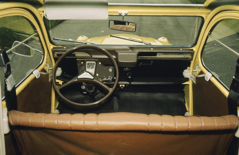 Citroen, Citroen 2CV, Citroen TPV, TPV, Traction Avant, Michelin, motoring, automotive, air-colled, classic car, retro car, motoring, carandclassic, carandclassic.co.uk