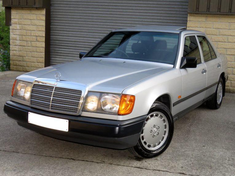 W124, Mercedes-Benz, Mercedes W124, W123, classic Mercedes, motoring, automotive, classic car, retro car, E Class, car and classic, carandclassic.co.uk