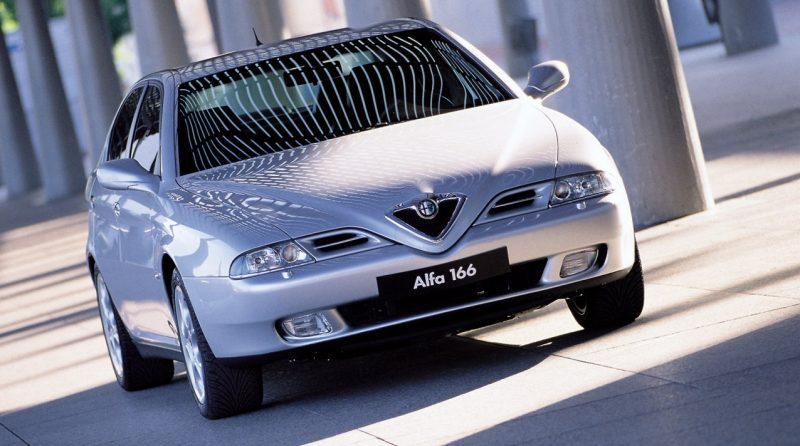 166, Alfa Romeo 166, Alfa Romeo, Alfa, italian car, classic car, retro car, motoring, automotive, busso V6, V6, motoring, automotive, car and classic, carandclassic.co.uk