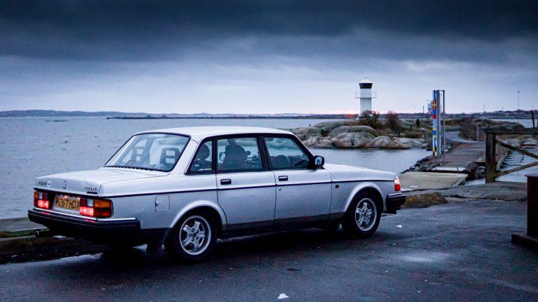 Volvo, Volvo 240, 240, classic Volvo, retro Volvo, motoring, automotive, classic car, retro car, Volvo 240 buying guide, car and classic, carandclassic.co.uk